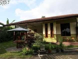 Homestay Retanata Bandung - Rumah Anggrek
