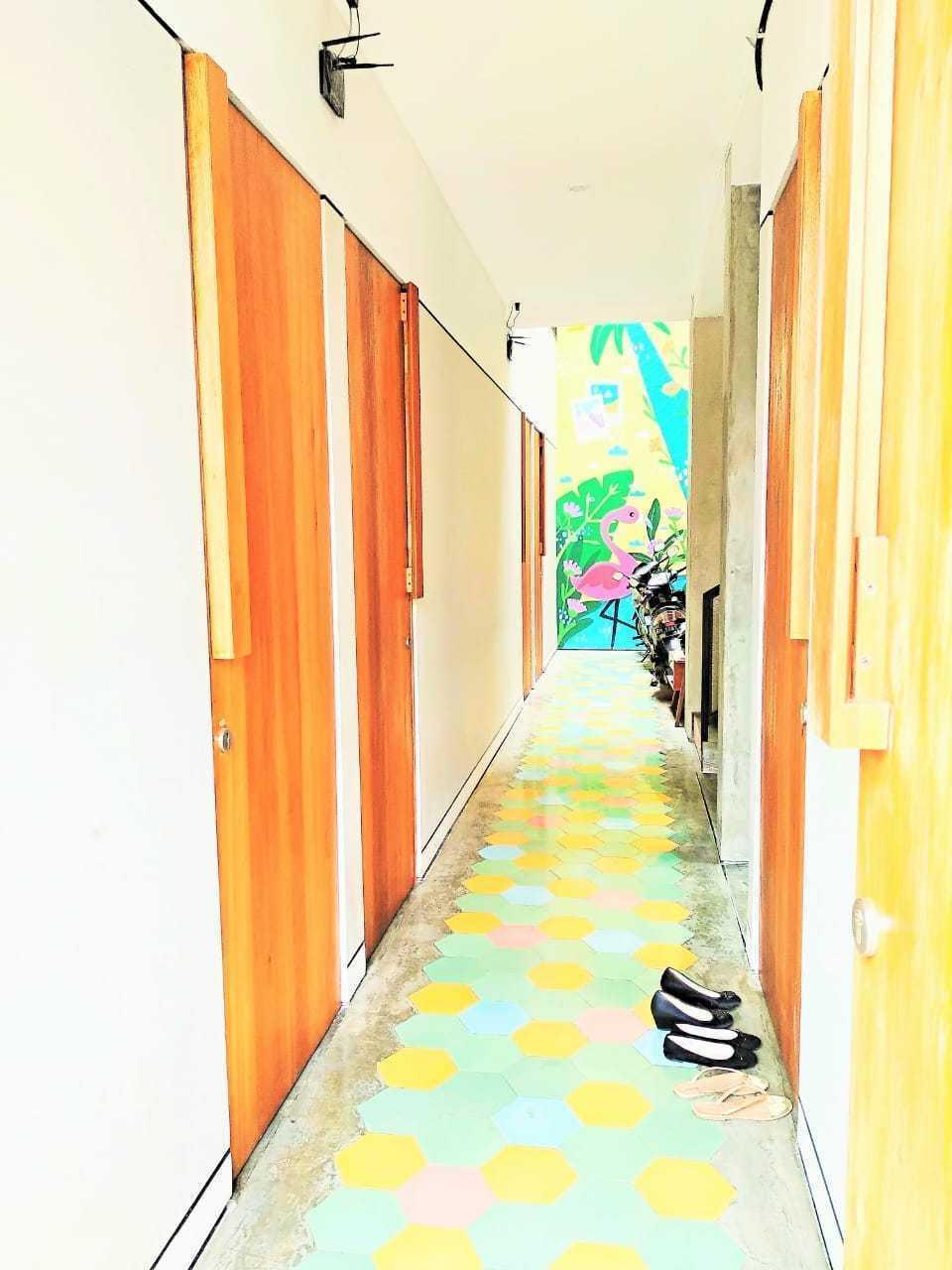 RoomMe Setiabudi Timur Jakarta - coridor