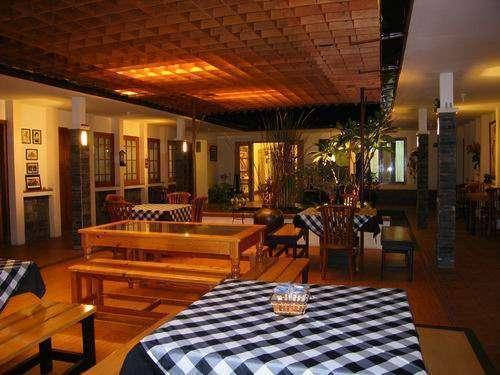 De Tropis Guest House Bandung - Cafe terbuka