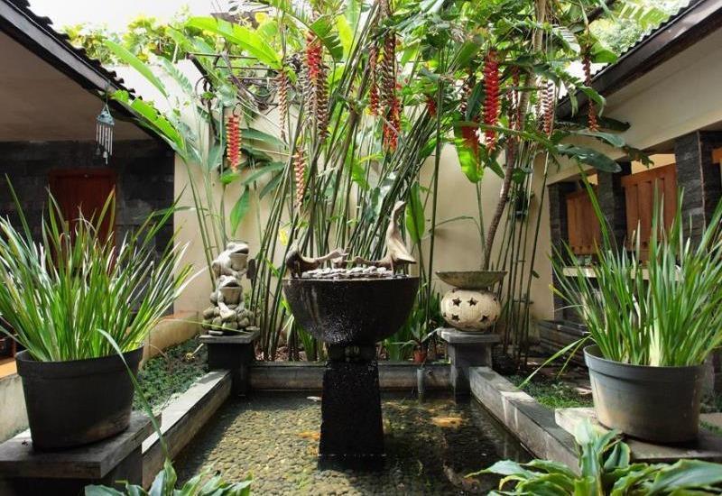 De Tropis Guest House Bandung -