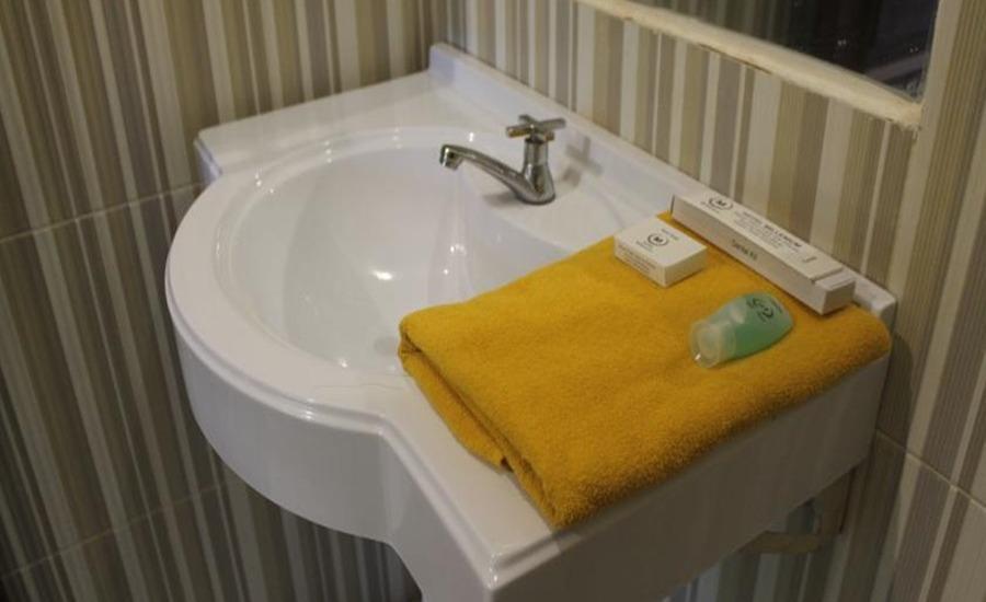 Hotel Millenium Berau Berau - Kamar mandi