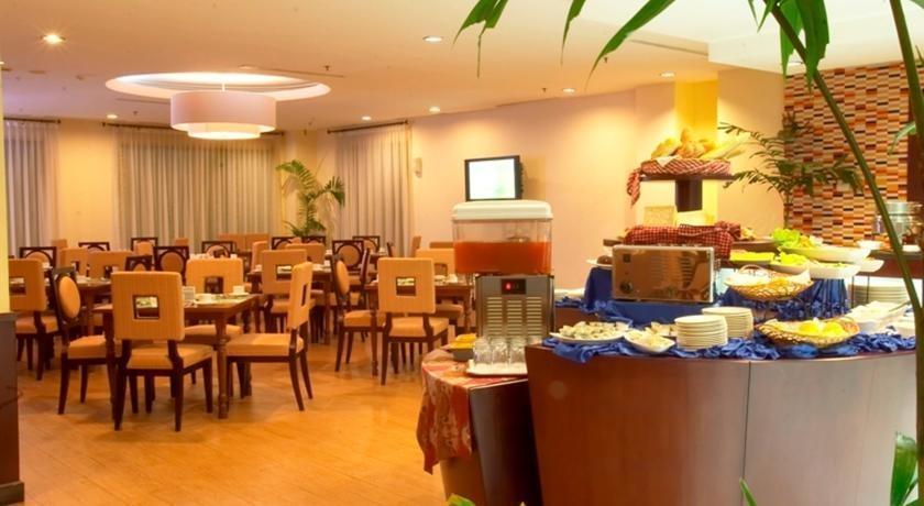 Grand Puri Manado - Restoran