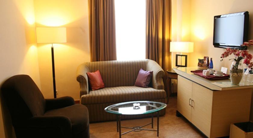 Grand Puri Manado - Ruang tamu