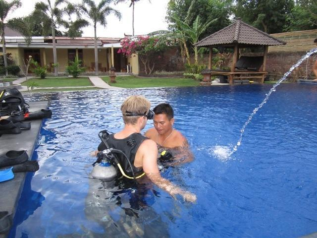 Kubuku Ecolodge and Resto Bali - Intro Dive