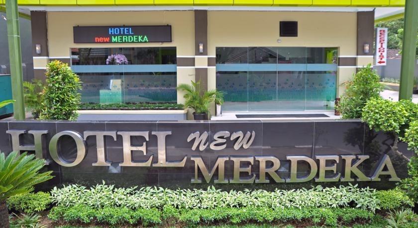 Hotel New Merdeka Pati - Tampilan Luar Hotel