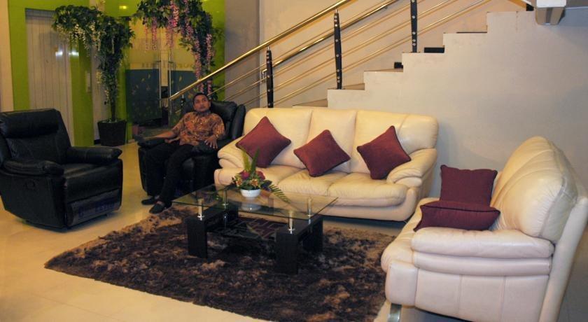 Hotel New Merdeka Pati - Lobi