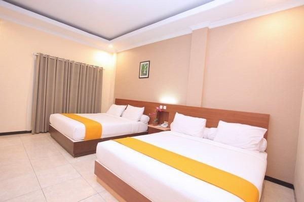 Hotel New Merdeka Pati - Deluxe Room Double - Double Bed Only Regular Plan