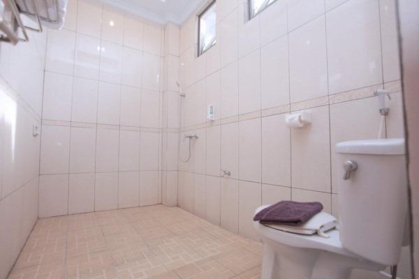 Hotel New Merdeka Pati - Kamar mandi