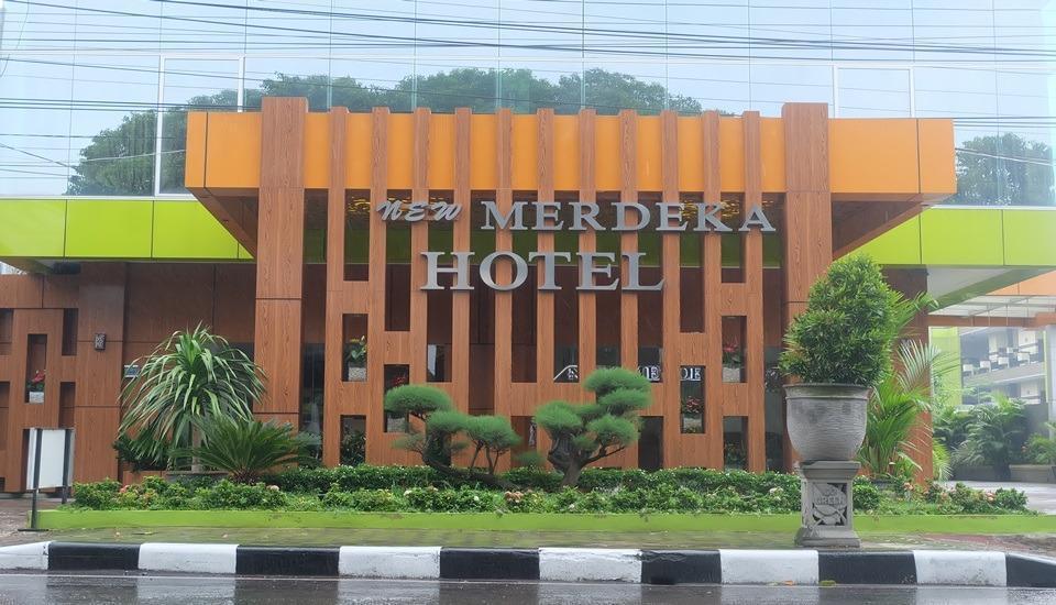 Hotel New Merdeka Pati - Exterior
