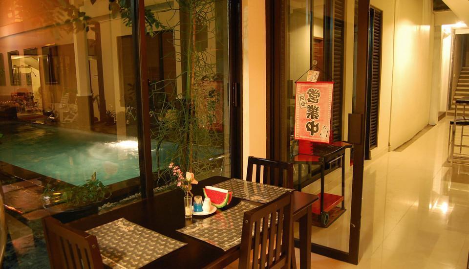 Kyriad Pejaten Suites Jakarta - Pool Side
