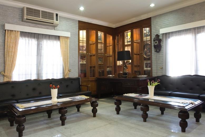 Kyriad Pejaten Suites Jakarta - Pelataran Tamu