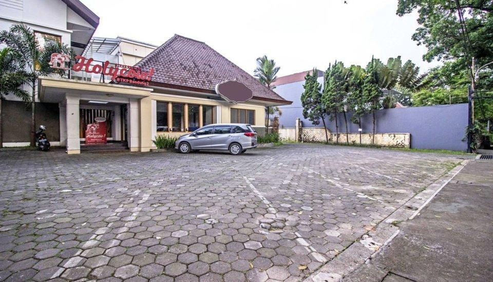 RedDoorz Near Rumah Mode Bandung - Exterior