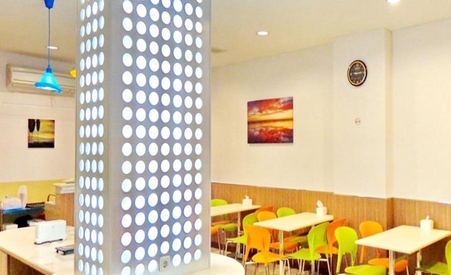 Frank's Hotel Surabaya - Interior