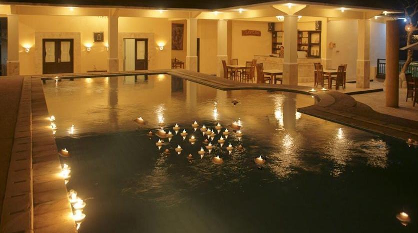 Melka Excelsior Hotel Bali - Spa Pool