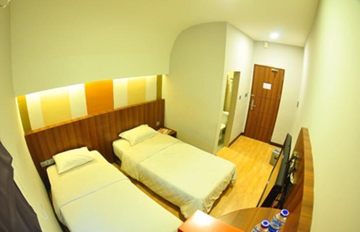 J Hotel Medan - Cozy Room