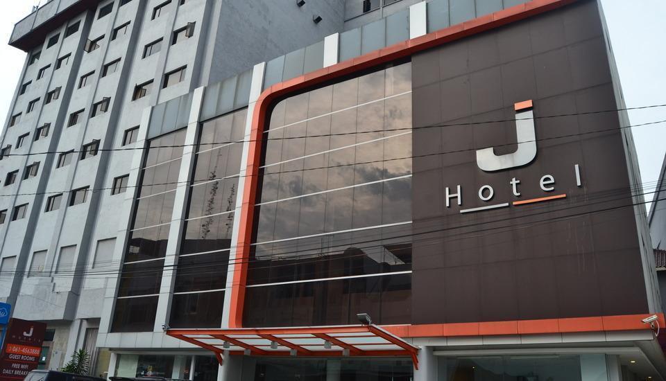 J Hotel Medan - Bangunan utama