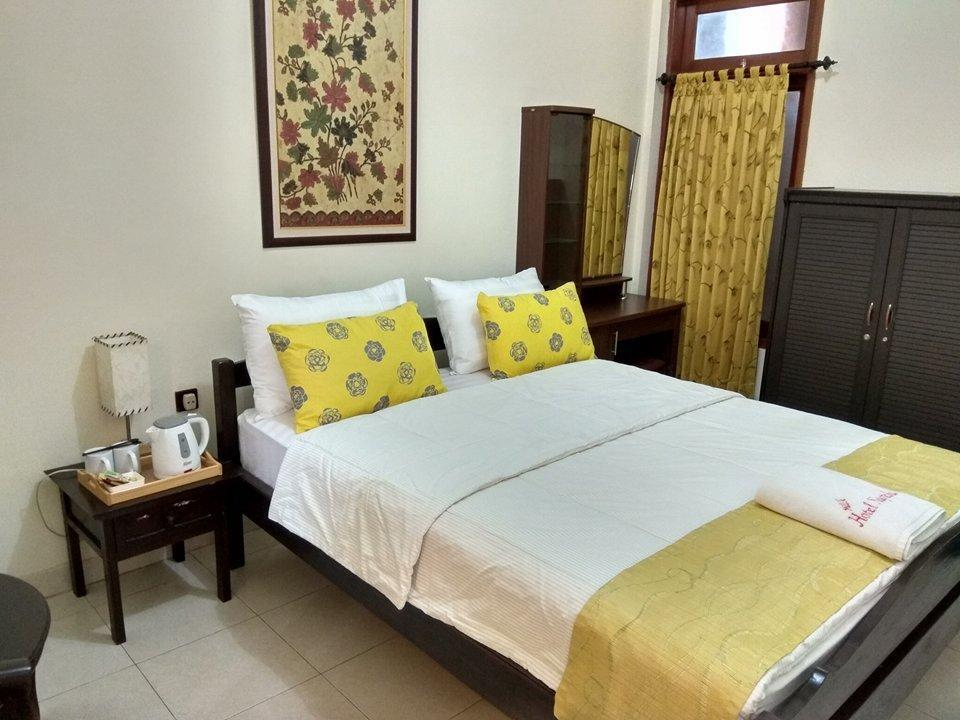 Nugraha Homestay Surabaya - Superior A1 Room Regular Plan
