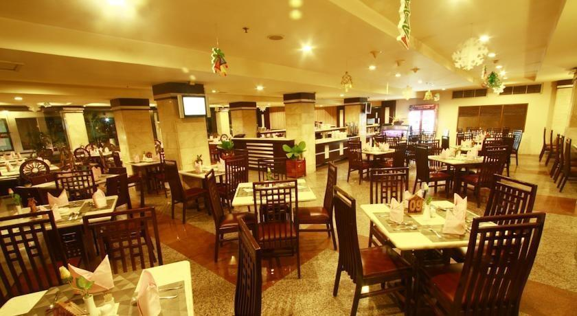 Hotel Banjarmasin Banjarmasin - Ruang makan