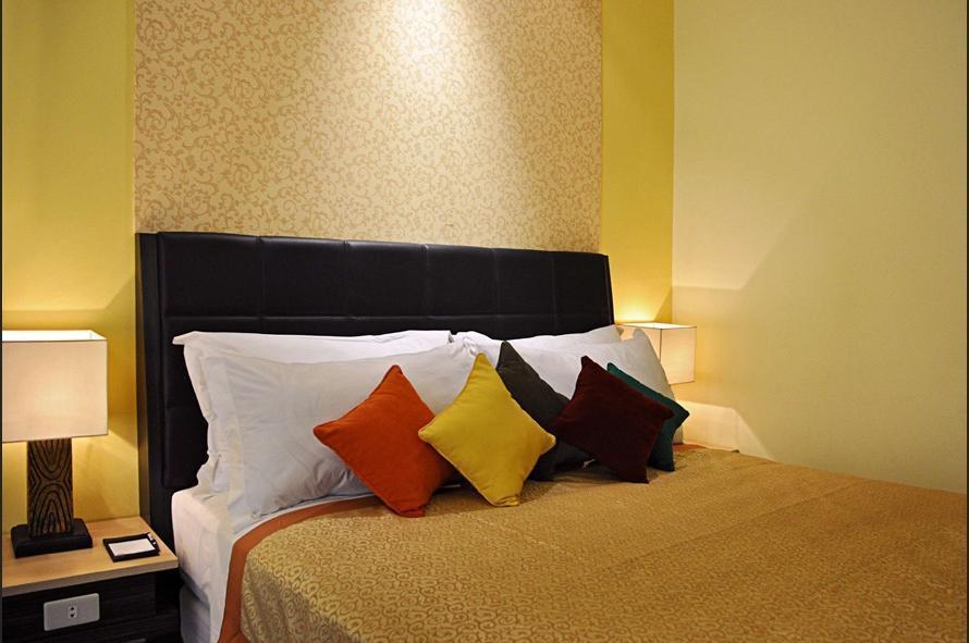 Hotel Golden Flower Bandung - Superior King Room Only Regular Plan