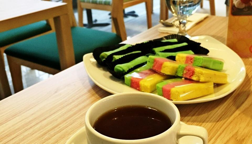 Agria Gino Feruci Hotel Bogor - Afternoon Tea and Snack