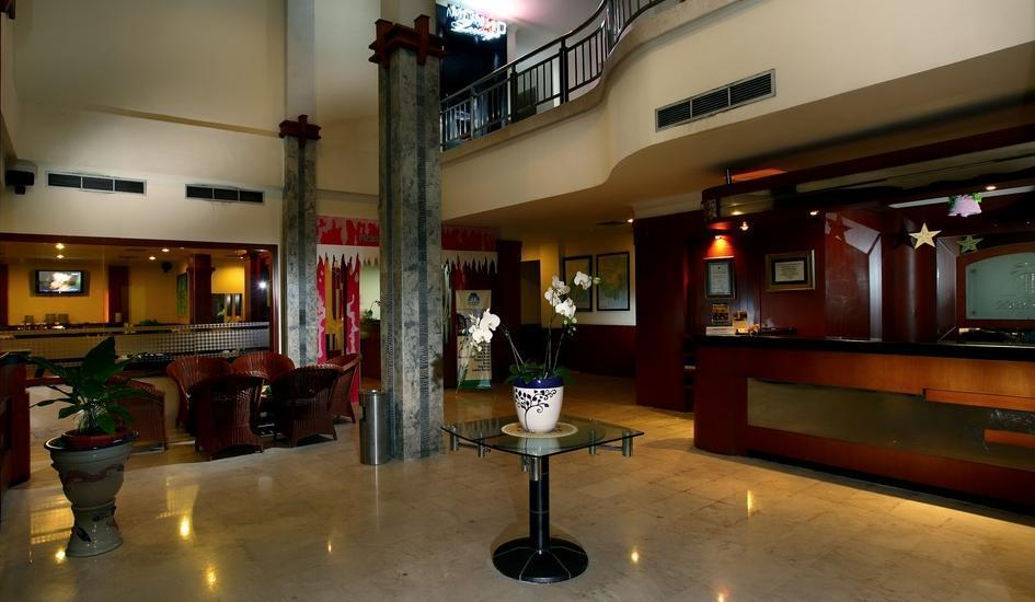 Hotel Palm Banjarmasin - b