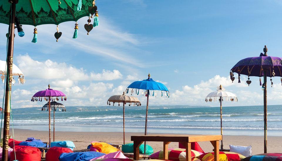 RedDoorz @Raya Canggu Bali - La Plancha