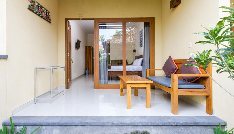 RedDoorz @Danau Tamblingan Sanur Bali - Teras