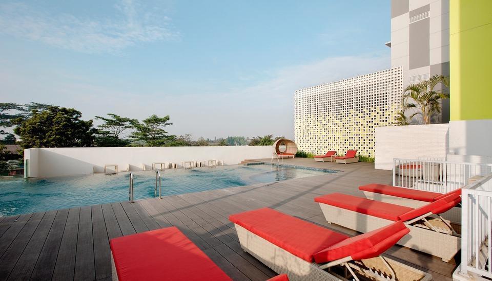 Shakti Hotel Bandung - Swimming Pool