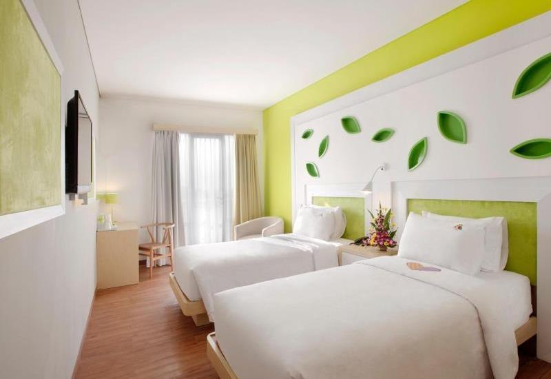 Max One Hotel Bandung - Love Room Only Regular Plan