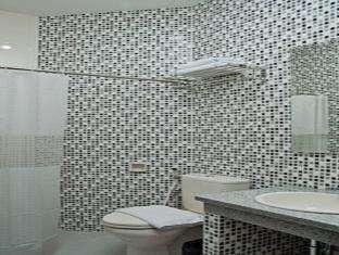 Maesa Hotel Ponorogo - Kamar mandi