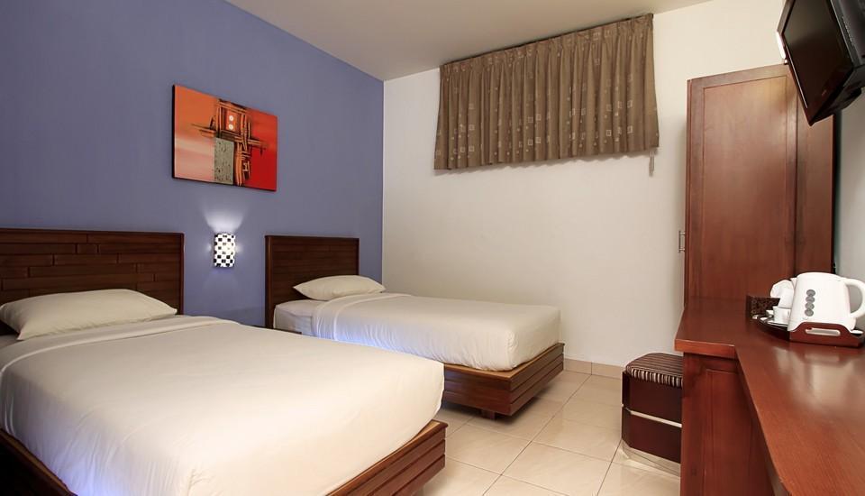 Maesa Hotel Ponorogo - Kamar Classic Regular Plan