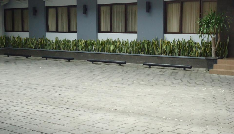 Maesa Hotel Ponorogo - Parkir