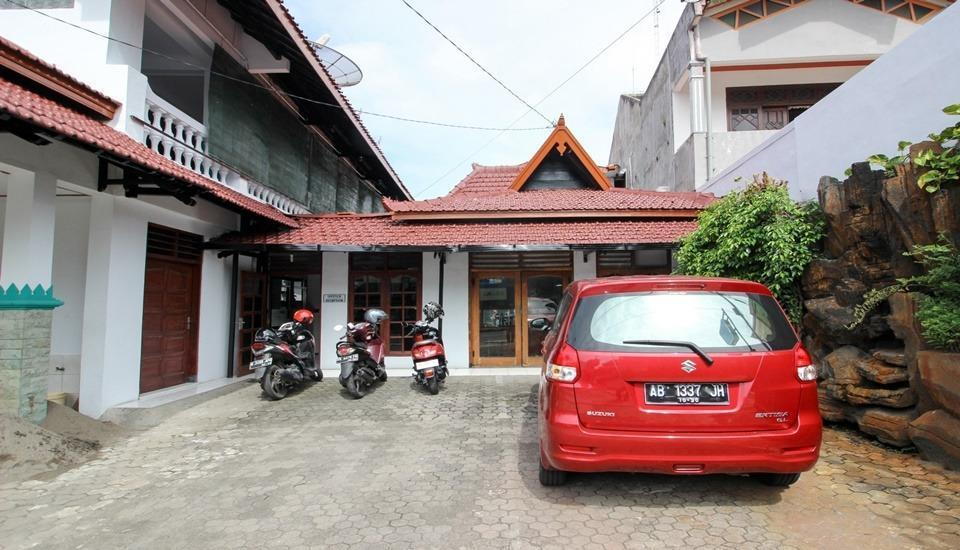 RedDoorz Plus near Alun Alun Selatan Yogyakarta - Exterior