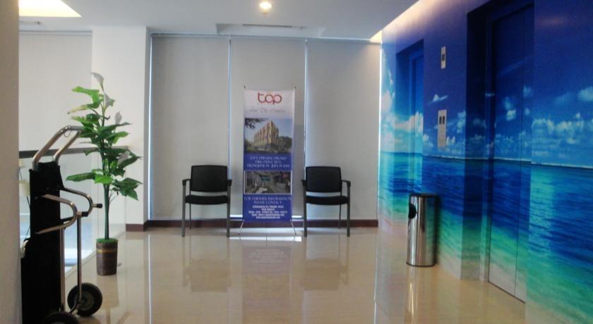 Top Hotel Manado - lobi