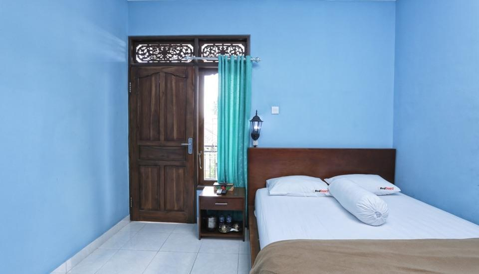 RedDoorz @Raya Kerobokan 2 Bali - RedDoorz Room Special Promo Gajian