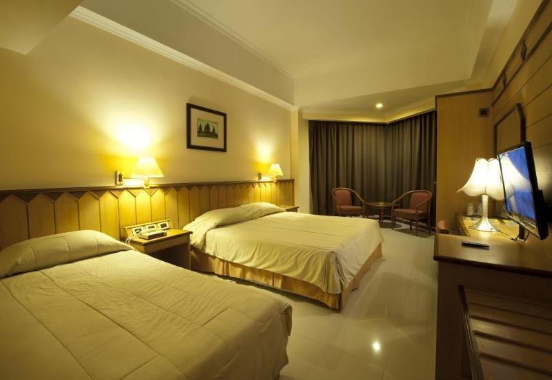 Hotel Asia Solo - Family Room Regular Plan