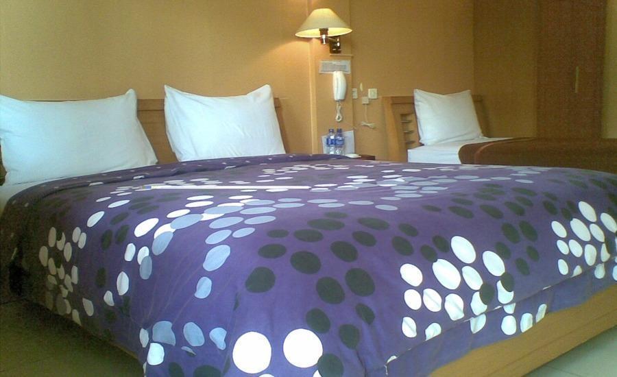 Hotel Kencana Pati - Kamar tamu