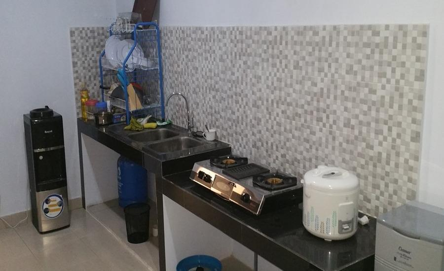 Legenda Beril Hostel Makassar - Dapur