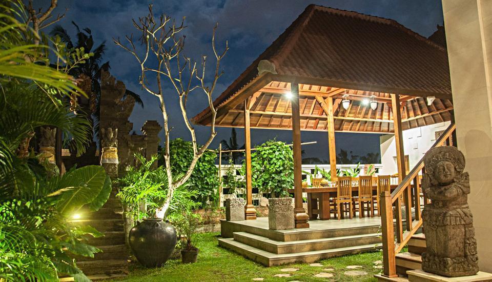 Dewarka Villa Bali - Ruang makan Umum