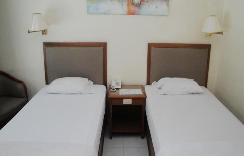 Hotel Merbabu Semarang - Standard Twin Room Only Regular Plan