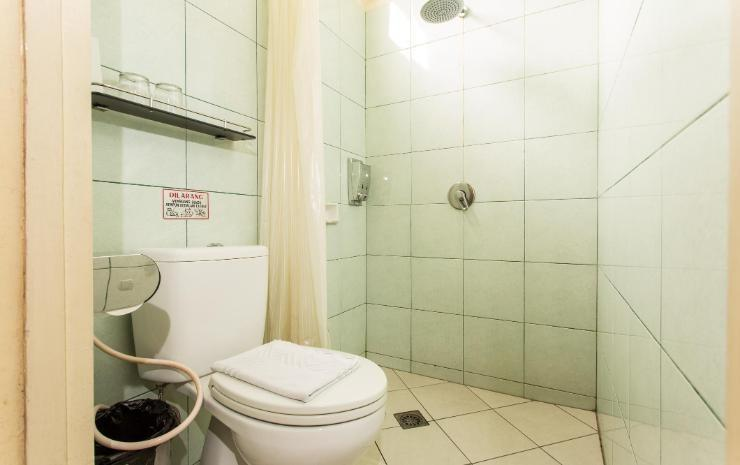 Hotel Lira Aulia Balikpapan - Toilet