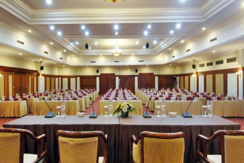 Hotel Singgasana Makassar - Ruang Rapat