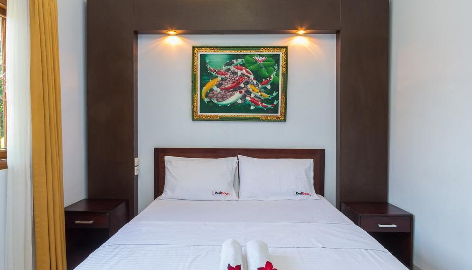 RedDoorz @Pendawa Kartika Plaza 2 Bali - Kamar tamu