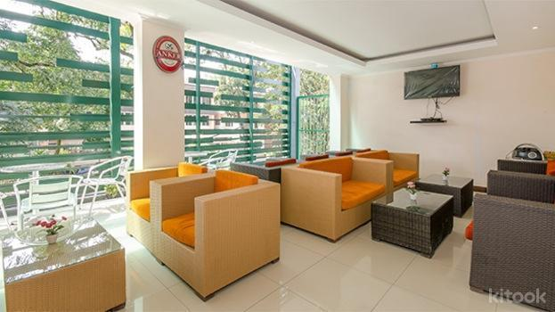 Excellent Seven Boutique Hotel Bandung - lounge area