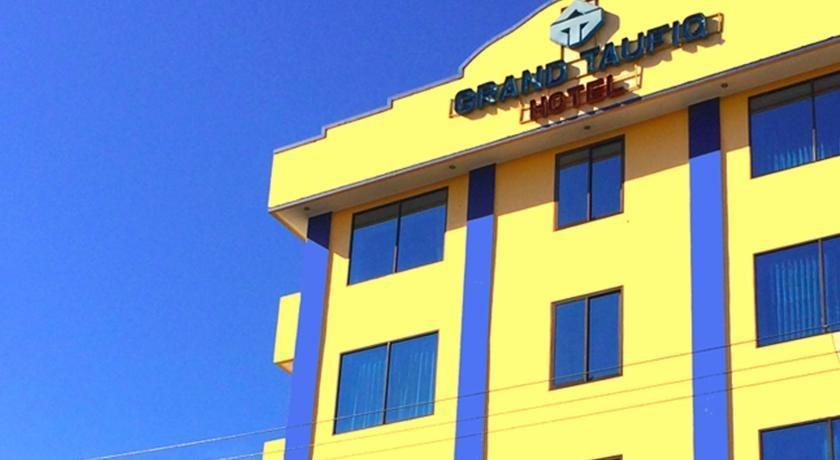 Grand Taufiq Hotel Tarakan - view