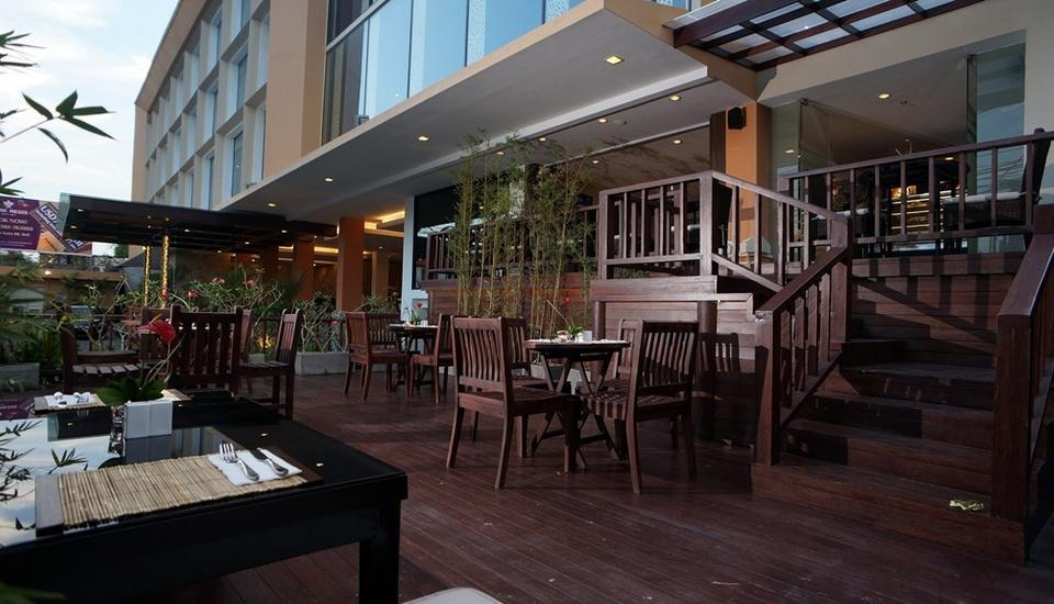 Park Regis Kuta - Bamboo Cafe