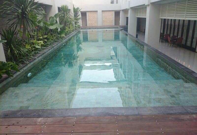 Move Megaland Hotel Solo - Kolam Renang