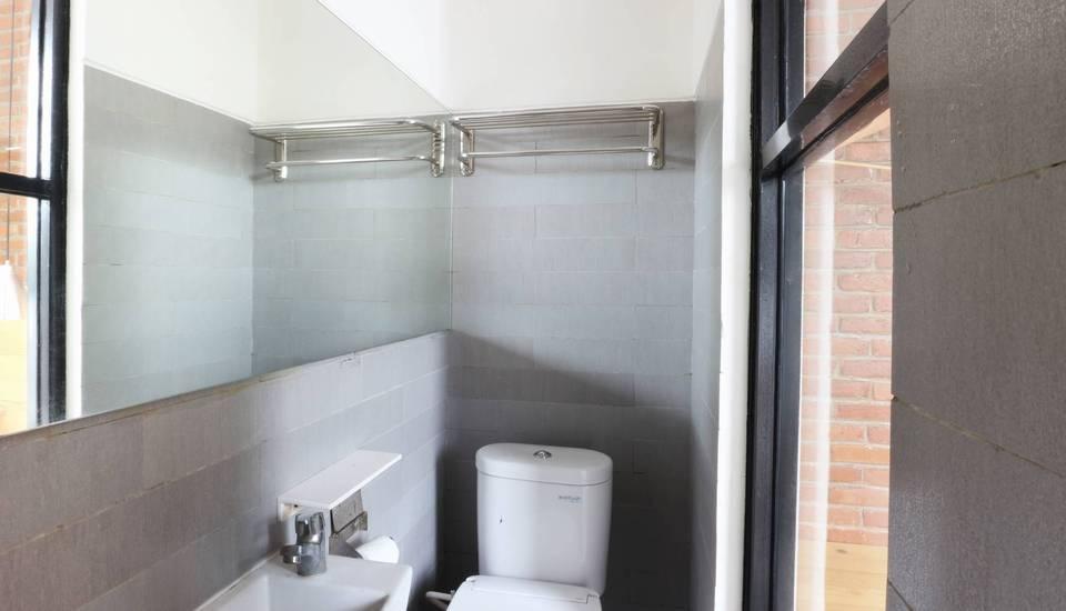 Urbana Homes Jakarta - Deluxe Bathroom