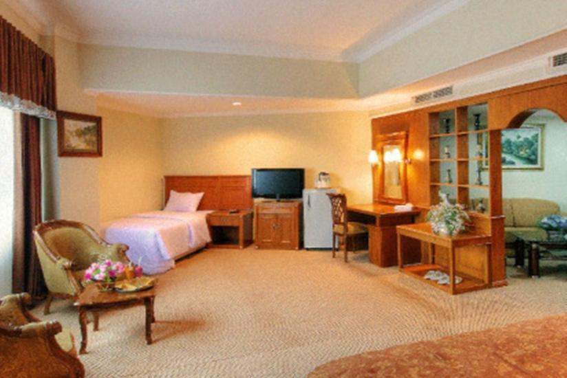 Hotel Madani Syariah Medan - Kamar Family Suite