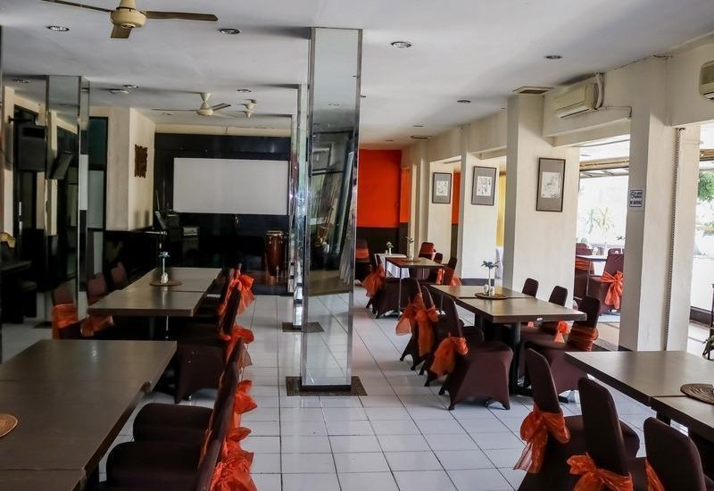 NIDA Rooms Istana Maimun Medan - Restoran